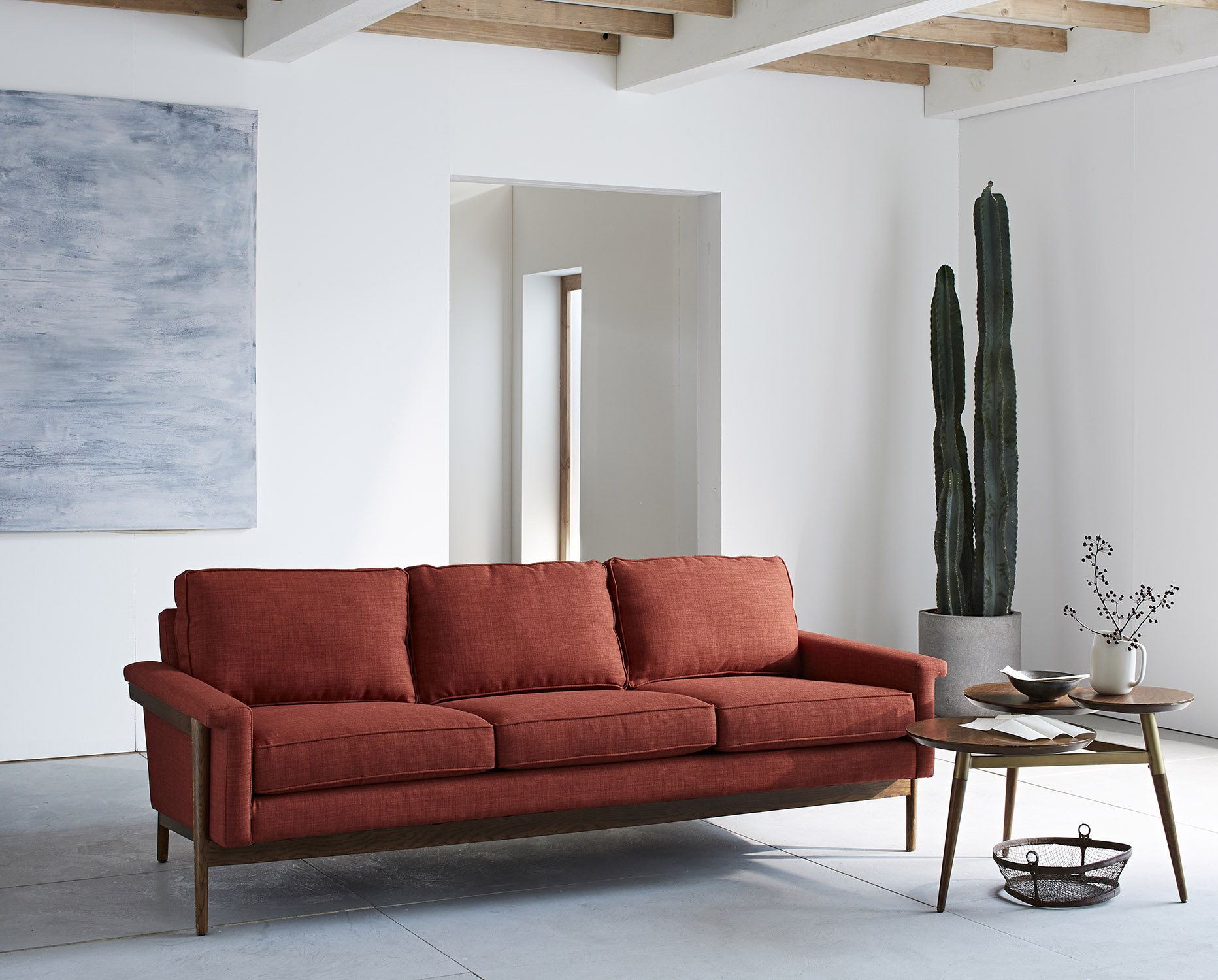 ecom-feature-leon-sofa-cayenne-v1-hl16-037_edited