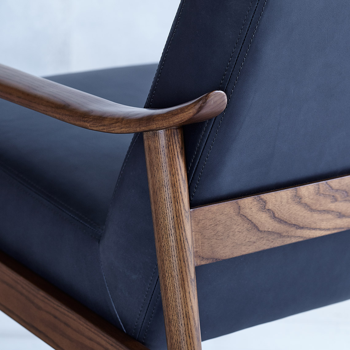pip-mc-show-wood-leather-chair-agean-blue-leather-detail-sp17-114