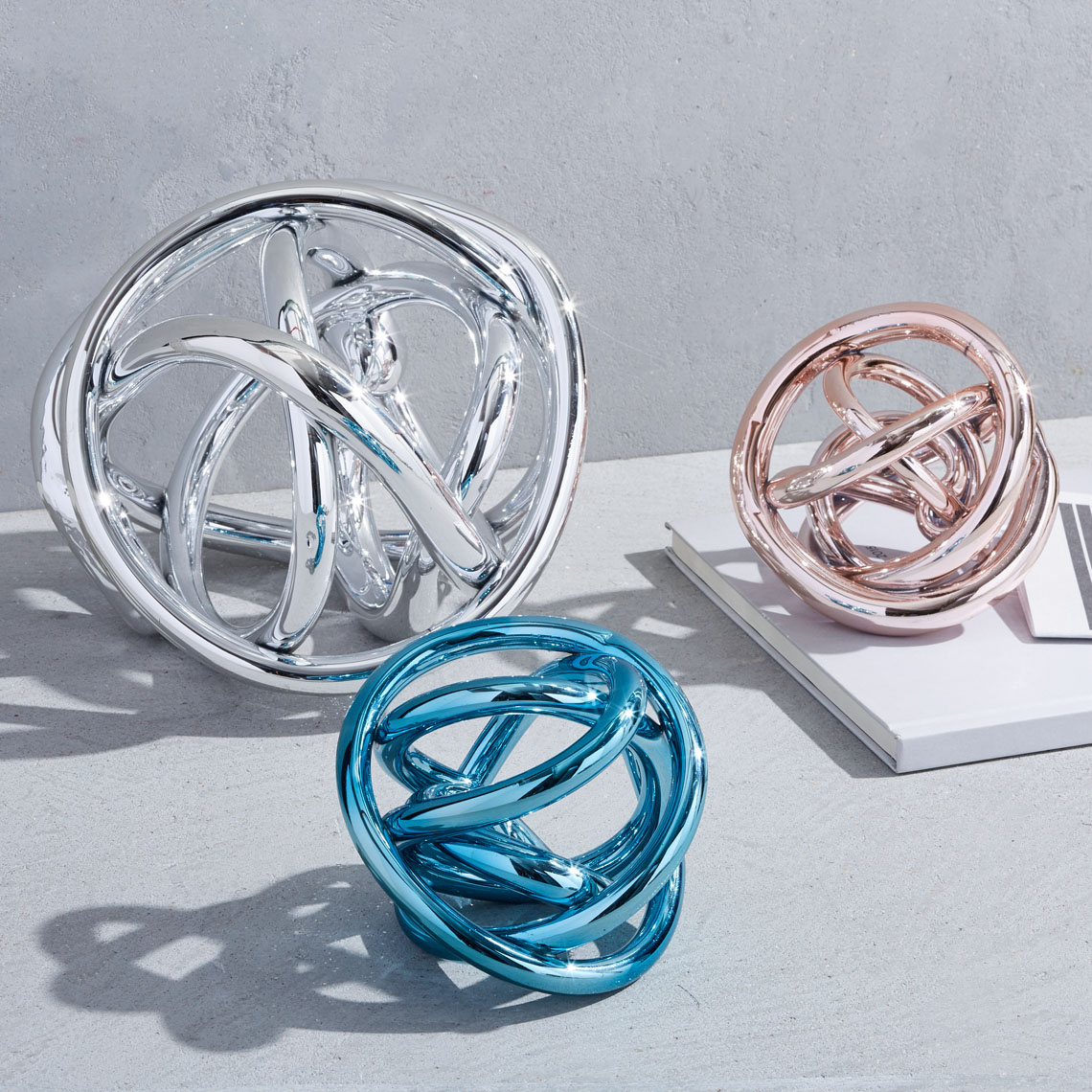 pip-metallic-glass-knots-group-su17-041